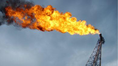 Photo of سعر النفط يواصل الأرتفاع مع حالة التفاؤل بتعافي الطلب